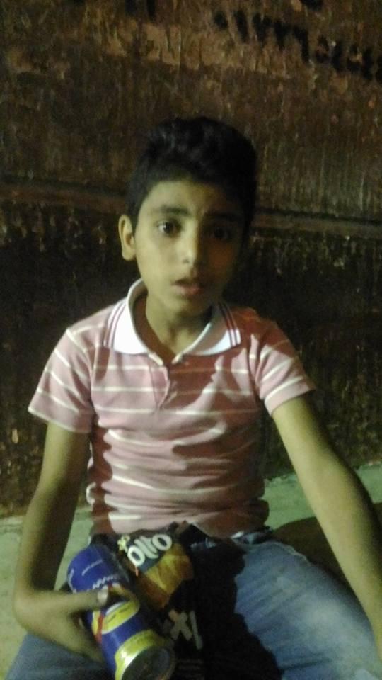 «شارك المصري اليوم» .. طفل تائهة طردته أخته «لمن يتعرف عليه»