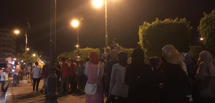 بالصور.. مظاهرة لطلاب الثانوية أمام «ديوان السويس» ضد إعادة الامتحانات