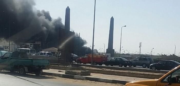 بالصور.. اندلاع حريق في مخزن بسوق العبور.. والحماية المدنية تخمده