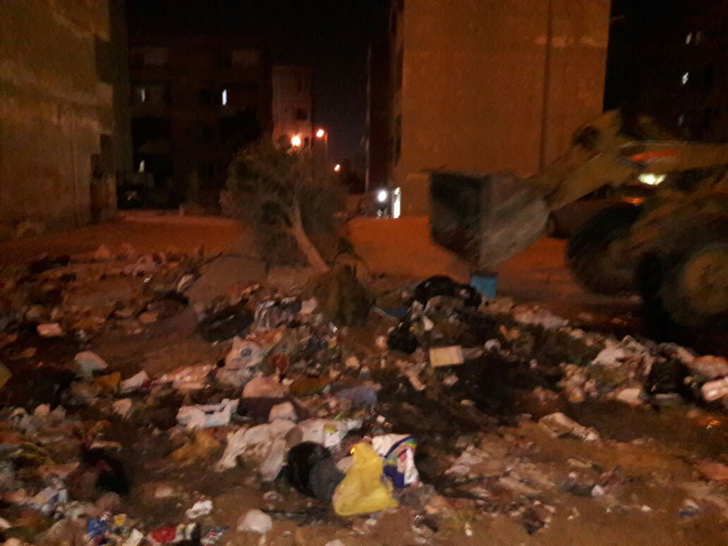 مواطنون يشكون تردي خدمات النظافة في التجمع الأول (صور)