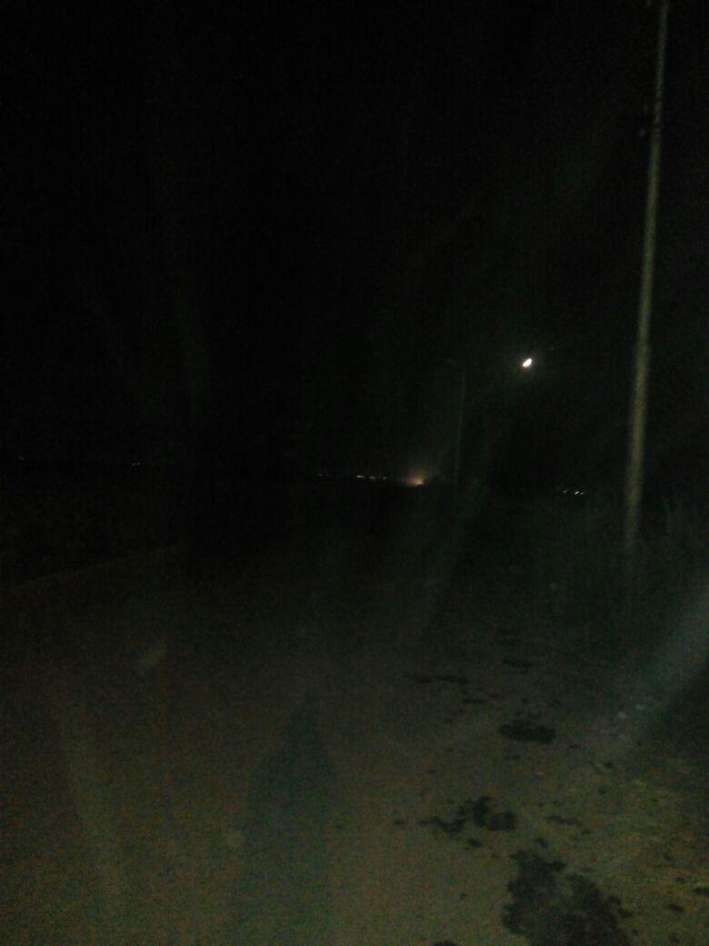 «وادي الصعايدة» بأسوان دون مياه.. وطريقها إلى إدفو بلا كهرباء