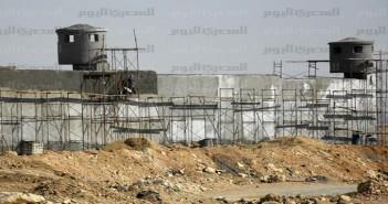 سكان العبور يرفضون قرار «الداخلية» بإنشاء سجن مركزي بالمدينة.. ويطالبون بوقف أعماله