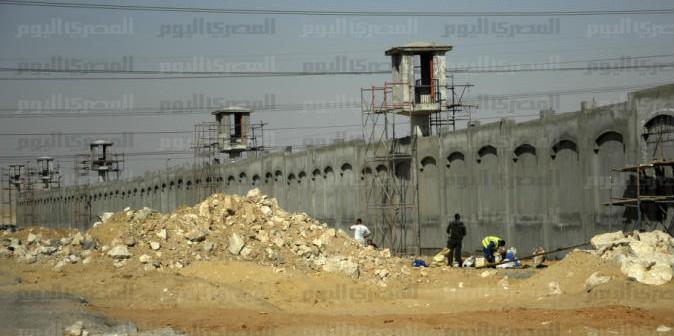 أهالي «العبور» يجددون رفضهم قرار «الداخلية» ببناء سجن مركزي بالمدينة