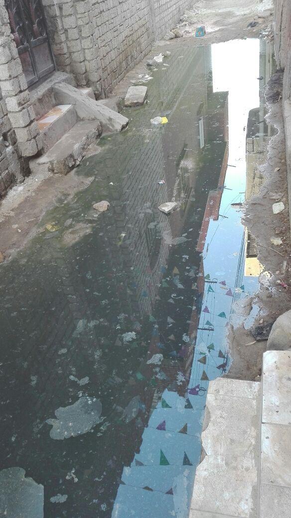 مياه الصرف الصحي تغرق قرية «منية اطسا» بمحافظة الفيوم فى غياب المسئولين