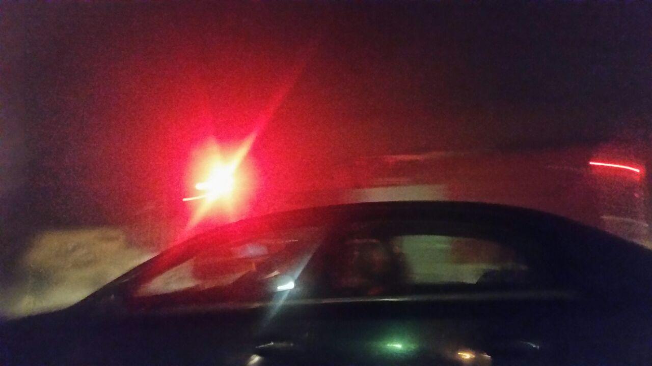 بالصور.. شاهد عيان: حريق بمحطة الصرف الصحي في فيصل.. وقطع الكهرباء