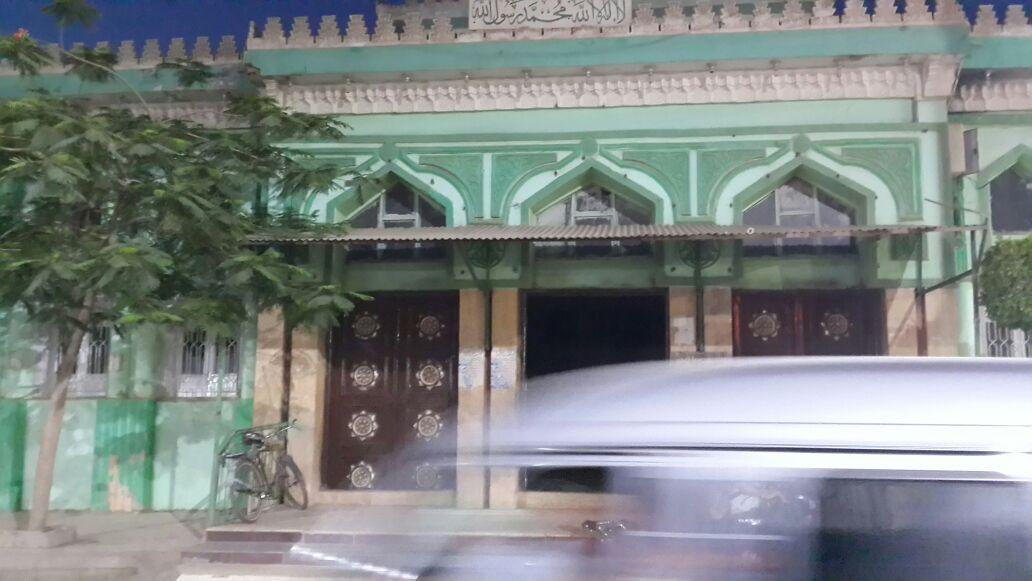 خلاف بين مسئولي الكهرباء يتسبب في قطع الكهرباء عن مسجد بالمنوفية