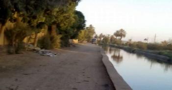 أهالي قرية بأسوان يطالبون بحواجز حديدية على ضفاف ترعة لحماية الأطفال من الغرق