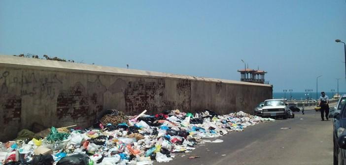 تفاقم أزمة القمامة بالإسكندرية.. ومواطنة: أهكذا تستقبل المدينة رمضان؟
