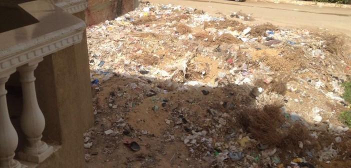 غضب سكان حدائق الأهرام من تفاقم أزمة القمامة (صور)