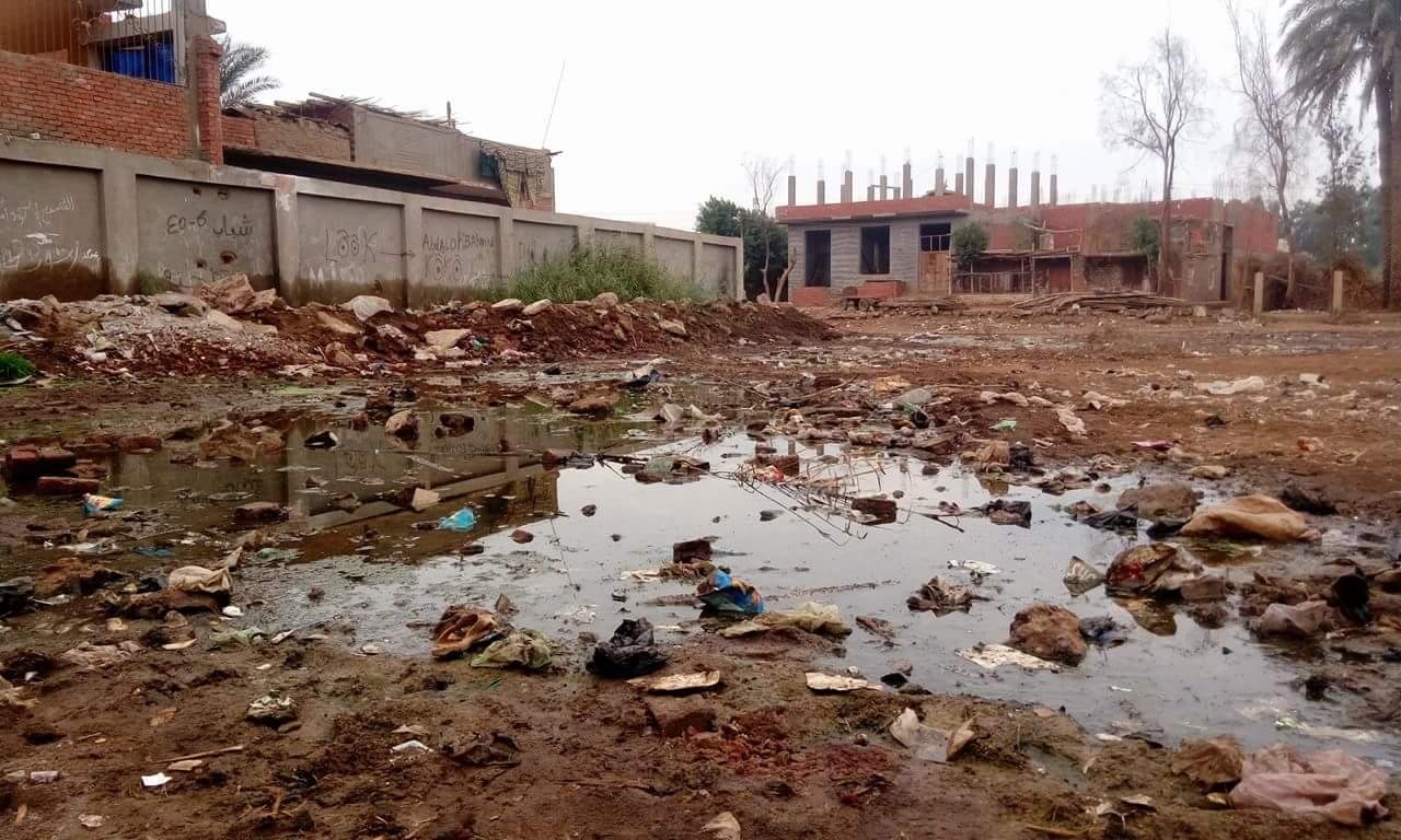 مياه الصرف الصحي تغمر قرية «مشيرف » بمحافظة المنوفية ( صور وفيديو)