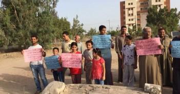 أهالي الصالحية القديمة بالشرقية يحتجون ضد قرار هدم مقابرهم (صور)