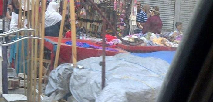 شارع فرنسا بالإسكندرية تحت سيطرة الباعة الجائلين (صور)