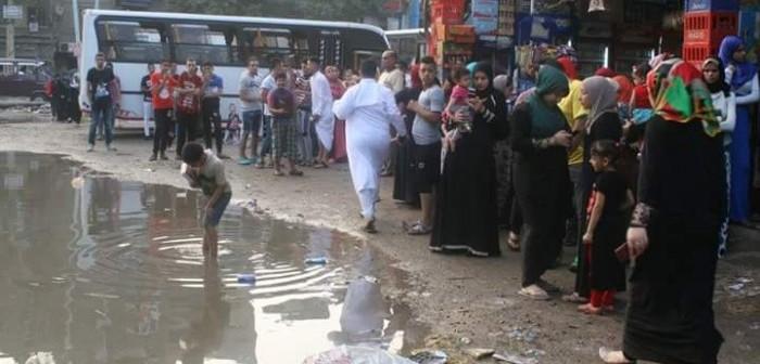 سكان شارع المدبح بالمنيب يطالبون بوقف طفح الصرف الصحي