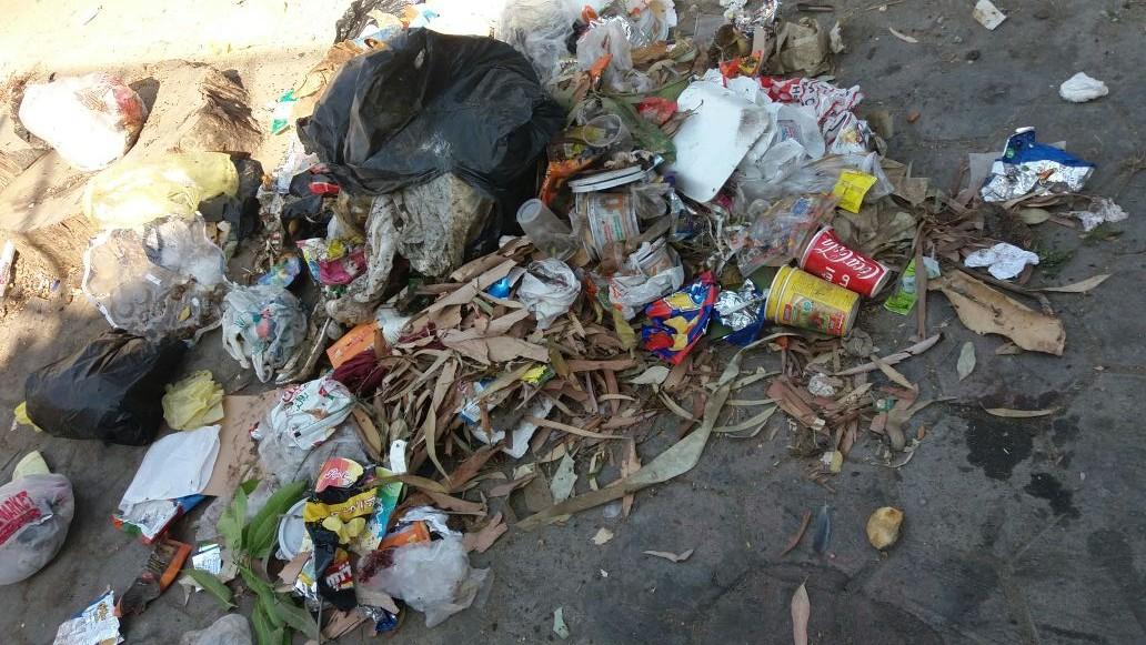 أهالي «الليث» بالزيتون يطالبون بإزالة القمامة من الشارع
