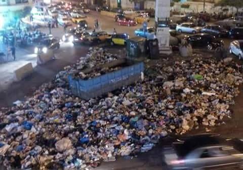 شوارع الإسكندرية القريبة من الشواطىء تتحول لمقلب قمامة (صورة)