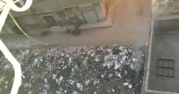 في «بين السرايات».. مواطنون يتضررون من حرق القمامة وسط الكتلة السكنية