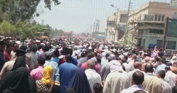 بالصور.. المئات يشيعون جثمان المجند عمر المنسي شهيد دمياط بالعريش