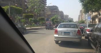 أعمدة الإنارة مضاءة فى وضح النهار بمدينة نصر