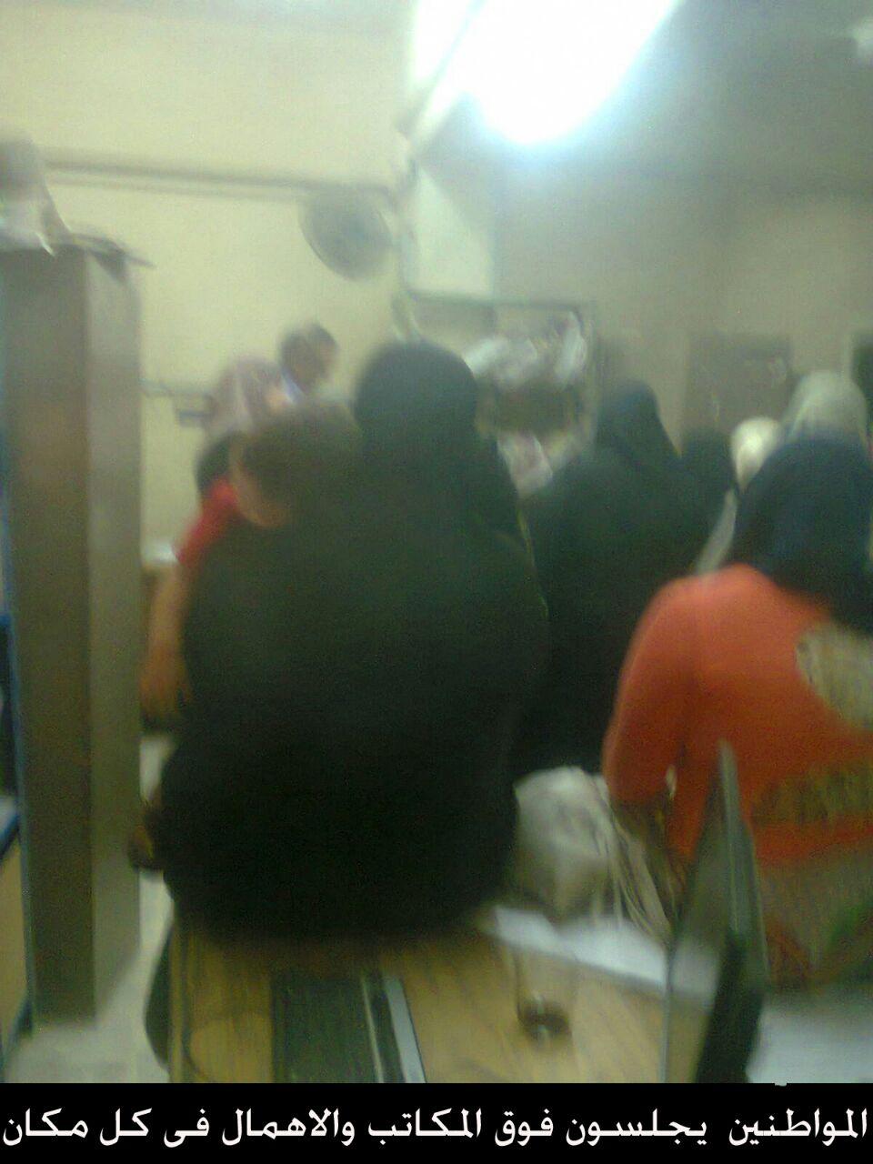 فوضى في تأمينات حلوان.. وشكوى بسوء تعامل موظفيه مع المواطنين (صور)