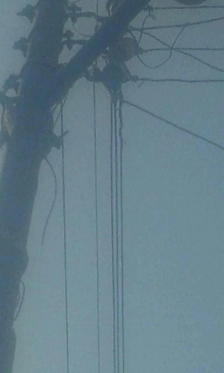 أهالي العسيرات يطالبون بتجديد شبكة الكهرباء بالقرية... «لم تجدد من 20 عام»