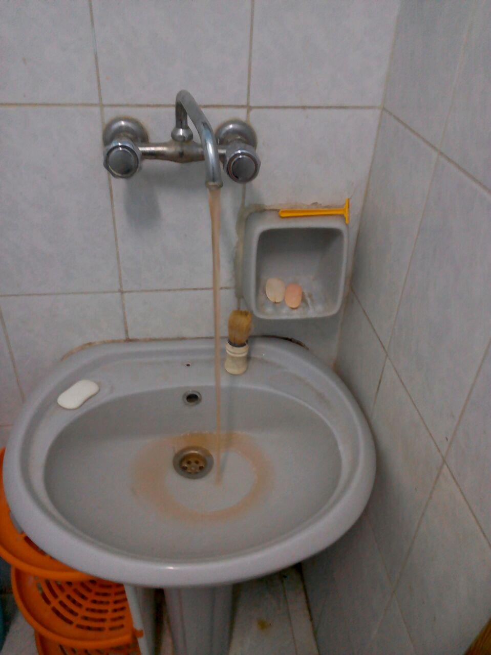 صورة   تغير لون مياه الشرب في ميامي بالإسكندرية.. وشكوى بتردي الخدمات