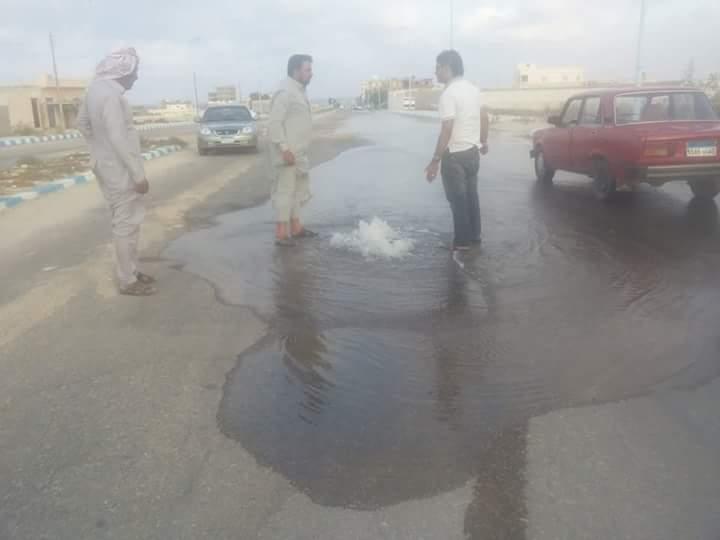 انفجار ماسورة مياه بمحافظة مطروح منذ 3أيام فى غياب المسئولين