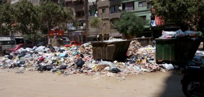 سكان جسر السويس يجددون شكواهم من تفاقم القمامة (صور)