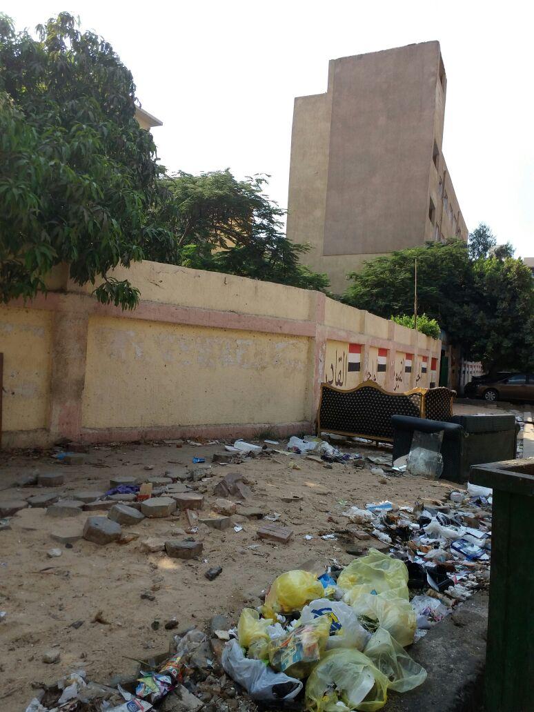 سكان يطالبون حي مدينة نصر بإصلاح أرصفة شارعي «فرغلي ورياض» (صور)