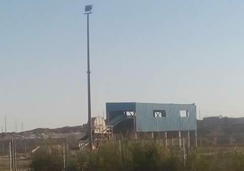 أهالي إدفو يطالبون بإعادة العمل بمصنع تدوير القمامة المُغلق منذ 2011 (صور)