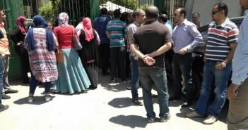 بالصور.. وقفة احتجاجية للمتقدمين لوظائف المحاكم والنيابات وديوان «العدل»
