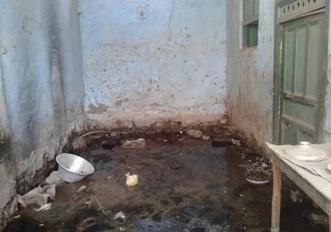 المياه الجوفية تغرق منازل في إحدى قرى إدفو بأسوان (صور)
