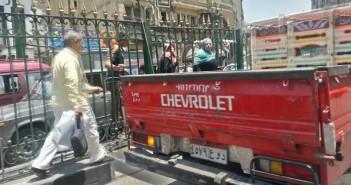 بالصور.. مطالب باستكمال كوبري شارع المعز بسبب معاناة المواطنين في عبور الطريق