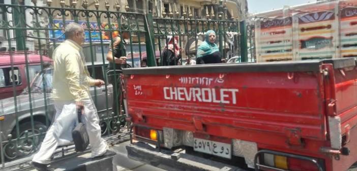 صور   مطالب باستكمال كوبري مشاة شارع المعز.. ورفع معاناة المواطنين