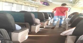 تعطل تكييف إحدى عربات قطار درجة أولى في رحلته من القاهرة للصعيد (صور)