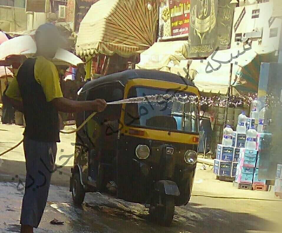 أزمة في مياه الشرب بالحوامدية.. ومواطنون يهدرونها في رش الشوارع (فيديو وصور)
