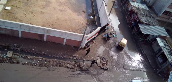 أهالي كفر الدوار بالبحيرة يطالبون باستكمال مشروع الصرف بعد غرق شوارع