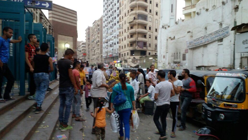 سكان عزبة النخل يشتكون من انتشار (التوتوك) وإغلاقه لشوارع المنطقة (صور)