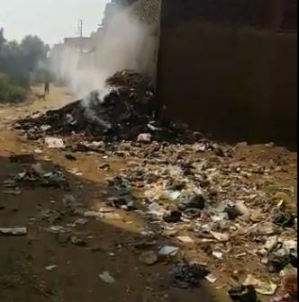 ▶️تراكم القمامة في شوارع «منية سمنود».. والأهالي: اتخنقنا (فيديو)