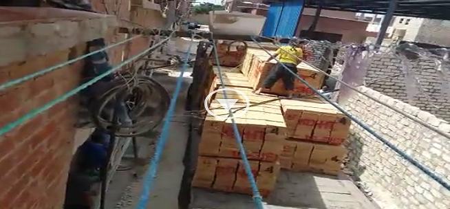 أهالي يشكون من مخاطر مصنع أخشاب داخل الكتلة السكنية بالعامرية (فيديو)