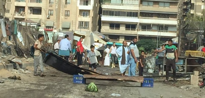 أهالي الحي الـ9 بمدينة نصر يشكون جمع الروبابيكيا والقمامة قرب الكتلة السكنية