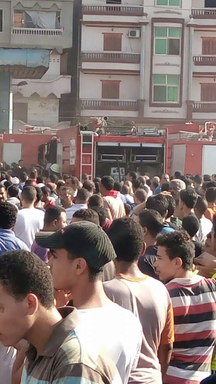 العناية الإلهية تنقذ أهالي «قرية سلكا» بالدقهلية بعد نشوب حريق بأحد محطات الوقود (صور)