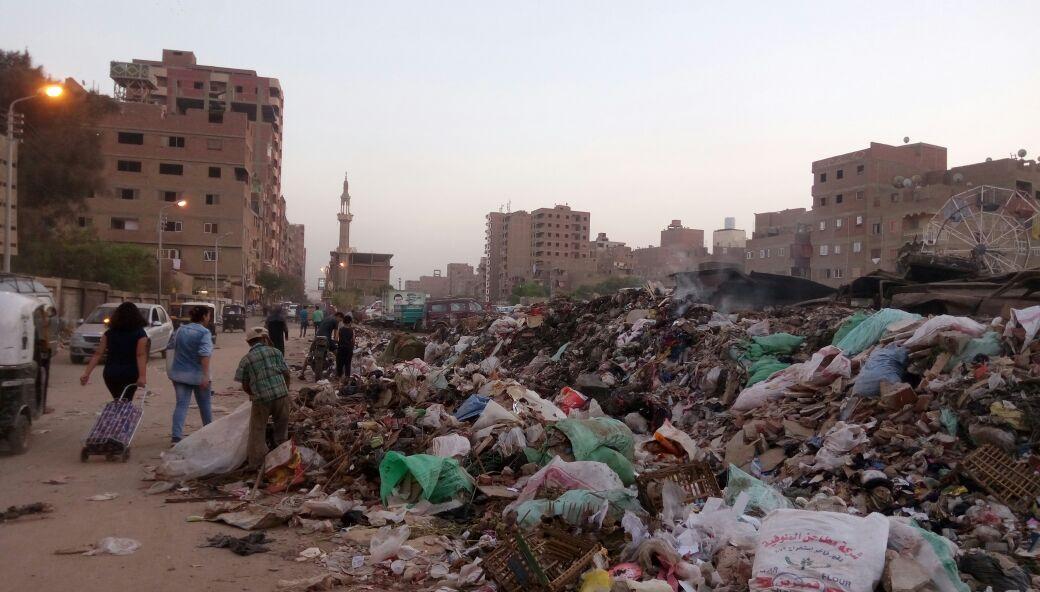 القمامة تحاصر شوارع «الخصوص» بمحافظة القليوبية فى غياب مسئولي المدينة (صور)