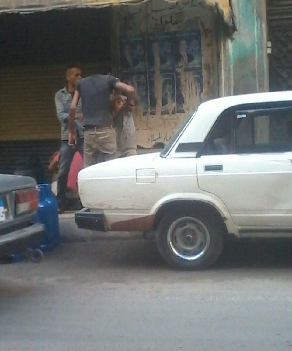 بالصور.. بائع أنابيب يضرب طفلا بالإسكندرية لقوله «ضهري واجعني ومش هعرف أشيل أنبوبة 12 دور»