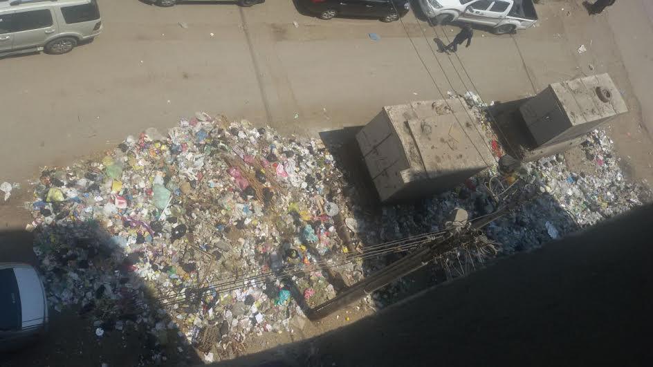 القمامة تحاصر منطقة الجوازات بمحافظة الشرقية فى غياب المسئولين (صور)