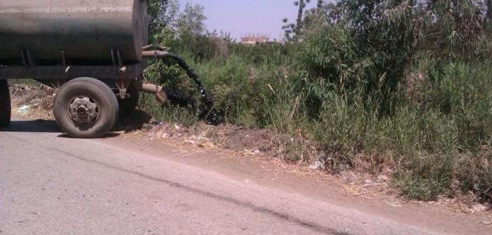 📸قرية «العُقدة» بالشرقية دون شبكة صرف.. وتفريغ المجاري في الترع (صور)