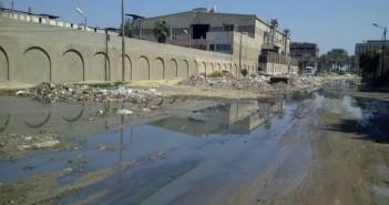«المنطقة الصناعية بقويسنا» محاصرة بين إهمال المسئولين وأصحاب المصانع (صور)
