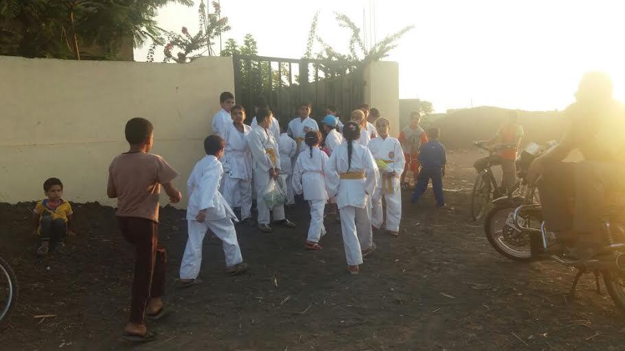 مركز شباب«الزهايرة» بالدقهلية يغلق أبوابه أمام الأطفال بعد خلاف على الإشتراكات (صور)