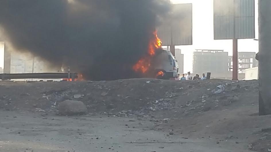 احتراق سيارة نقل على طريق مصر إسكندرية الزراعي (فيديو وصور)