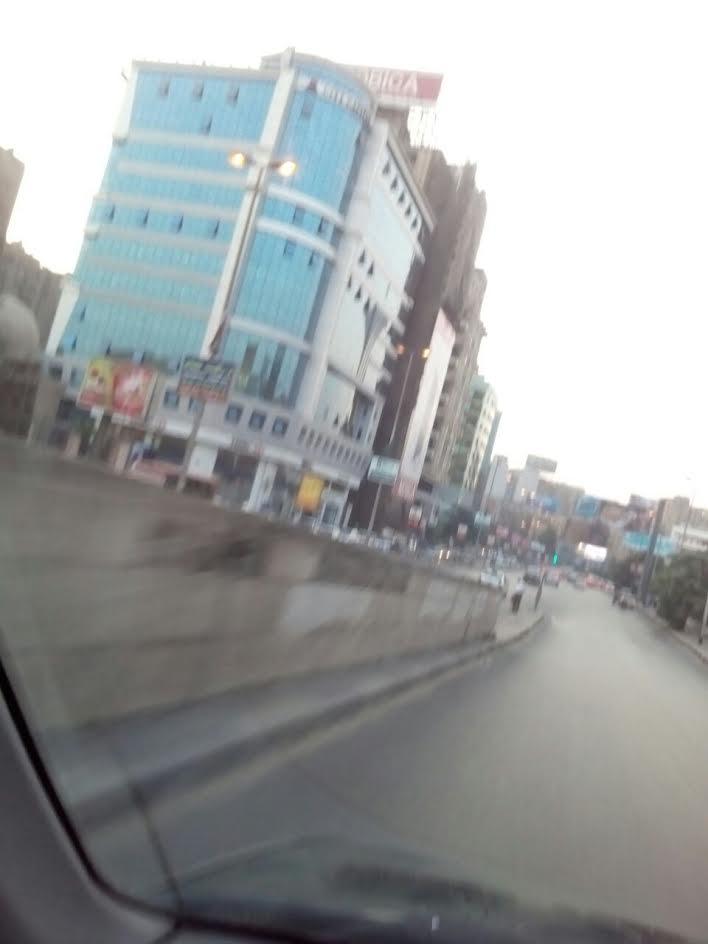 إصحي ياحكومة.. شوارع القاهرة منور فى عز النهار (صور)