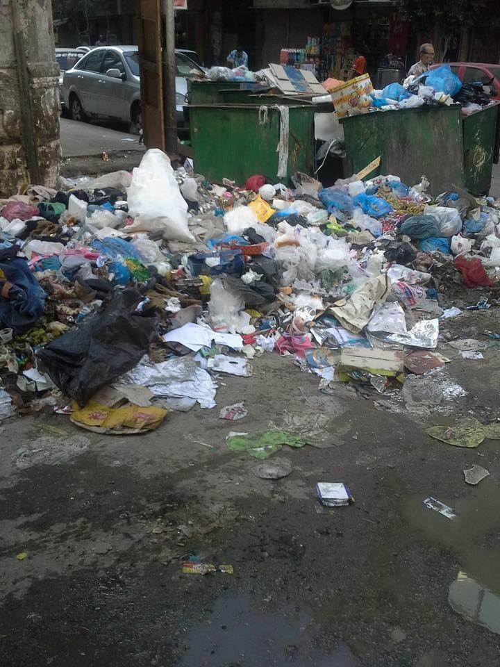 القمامة تملأ شوارع المعادي